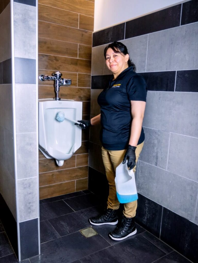 Jocabed-Cleaning-Urinal
