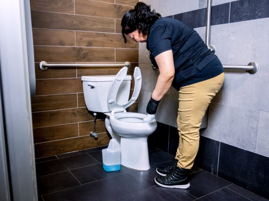 Jocabed-Toilet-Cleaning